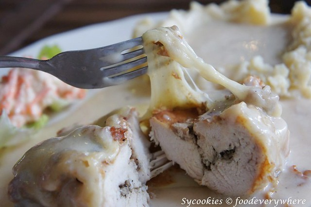 7.chicken kiev @ grafa cafe (17)