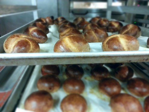 knotted rolls and regular rolls by pipsyq