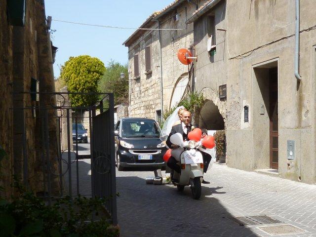 Tuscan wedding procession