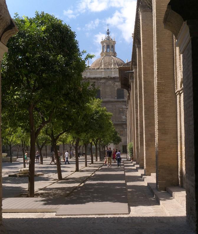 Vista desde el antiguo Corral de los Naranjos, en Sevilla. Autor, Jose Luis Filpo Cabano