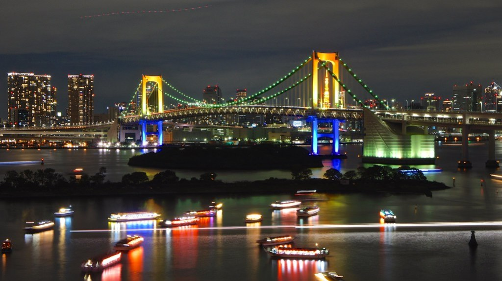Tokyo Tower through the Rainbow Bridge
