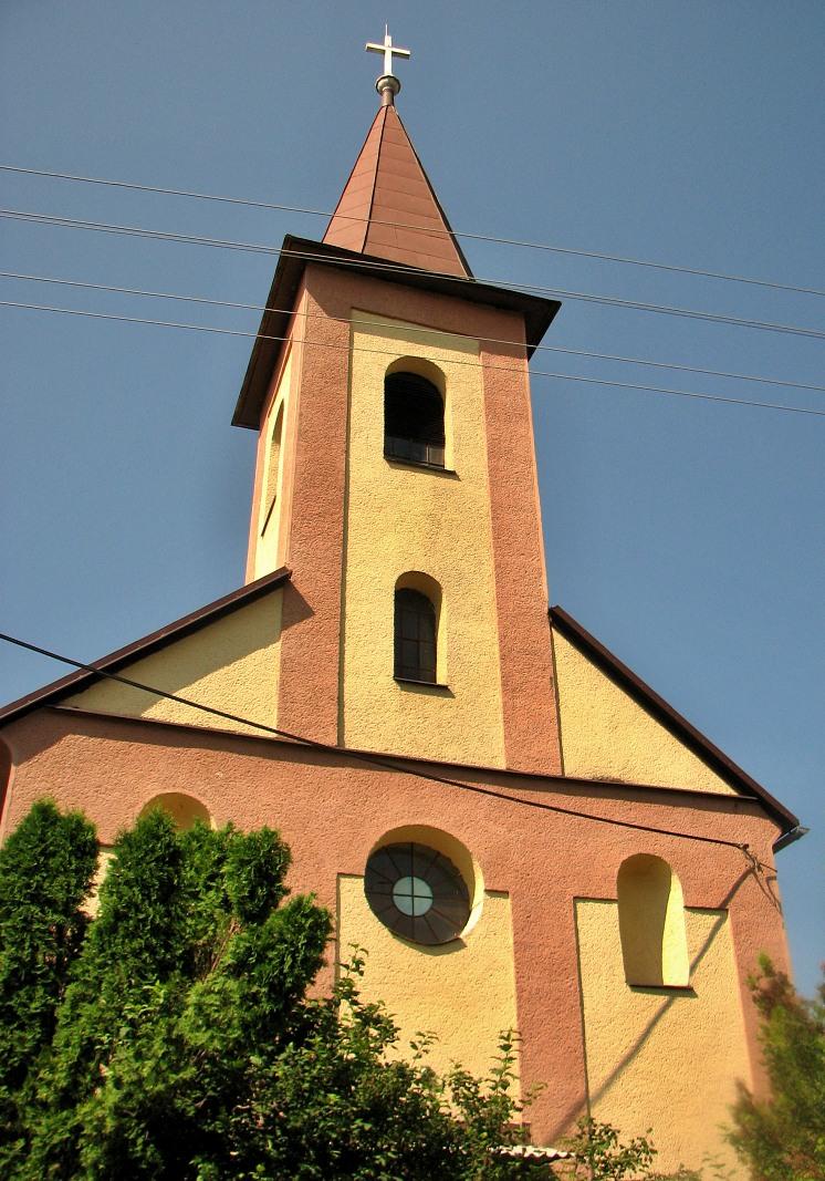 Katolícky kostol v H. Strhároch
