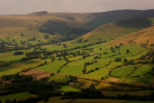 20130808-17_Edale from Back Tor on The Great Ridge by gary.hadden