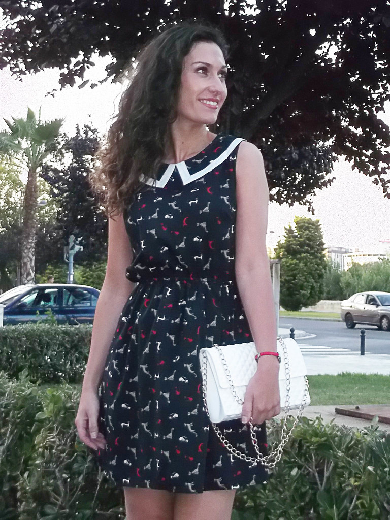 Dress animal print, kitten, vintage, retro style, baby doll, bib, kitten, peep toes, sailor, vestido, estampado de animals, cuello babero, gatitos, peep toes blancos, marinero, bolsa plastificada, mariposas, laminated bag, butterfly pattern,