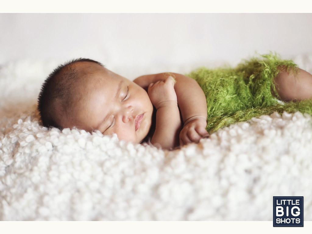 Introducing Nur Siti Aisyah | Newborn Portraiture