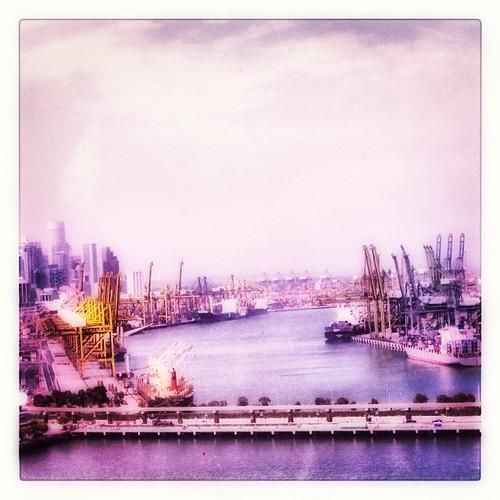 Shipyards #singapore by @MySoDotCom