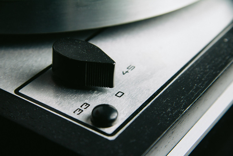 Thorens TD166 - Close-up RPM selector