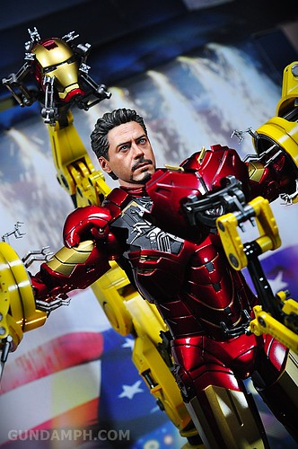 Hot Toys Iron Man 2 - Suit-Up Gantry with Mk IV Review MMS160 Unboxing - day3 (57)