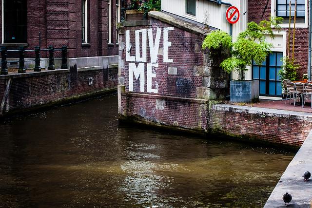 AmsterdamGraffiti1.jpg
