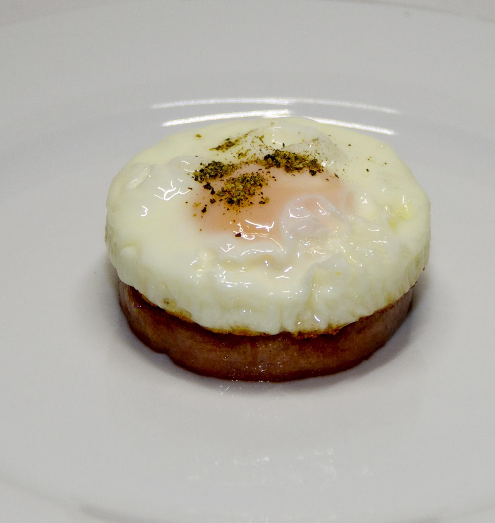 Fried egg sausage stack - Version 2