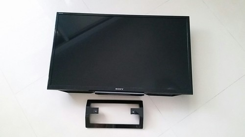 Sony KDL-32R420B กับขาตั้ง