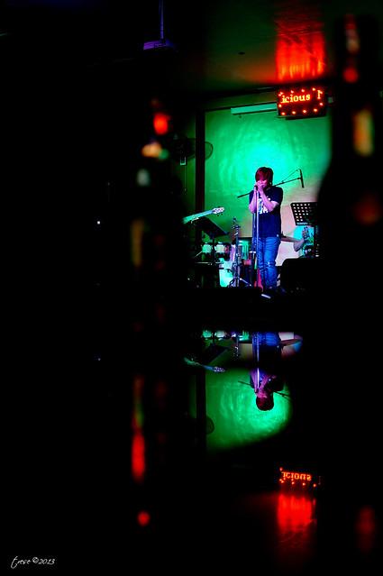 Band vocalist in Marilao Kaps bar