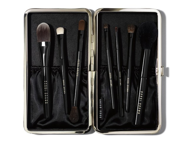 Travel_Brush_Set_FH13_CMYK