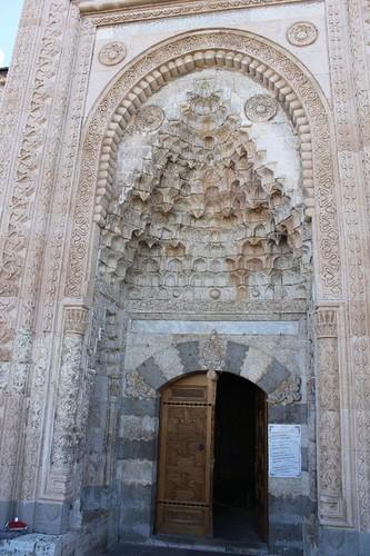 20131011_7178_Esrefoglu-mosque-portal_Small
