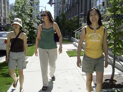 2005 - Khaki Shorts Flank Khaki Pants