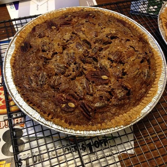 Who wants pecan pie?#food #baking