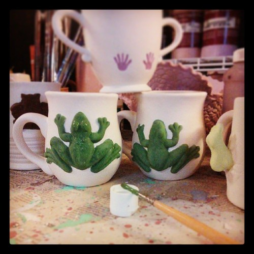 Scenes from a work day #ceramics #mugs #frog #owls