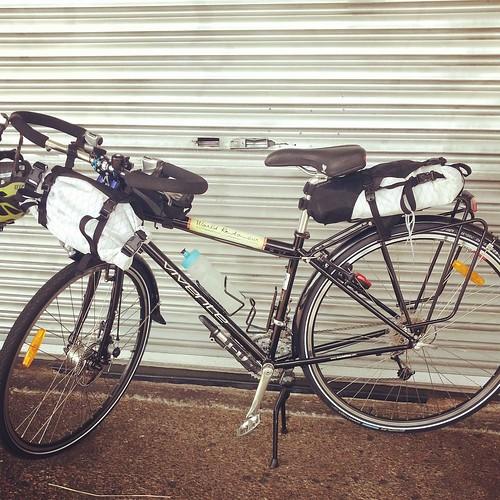 Vivente World Randonneur with Bike Bag Dude kit by andrewgillsag