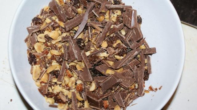 gehakte chocolade noten bananenbrood