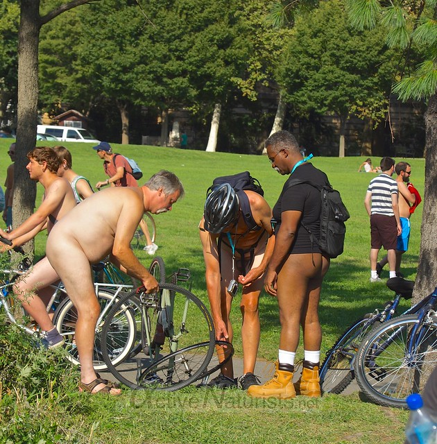 naturist 0025 Philly Naked Bike Ride, Philadelphia, PA USA