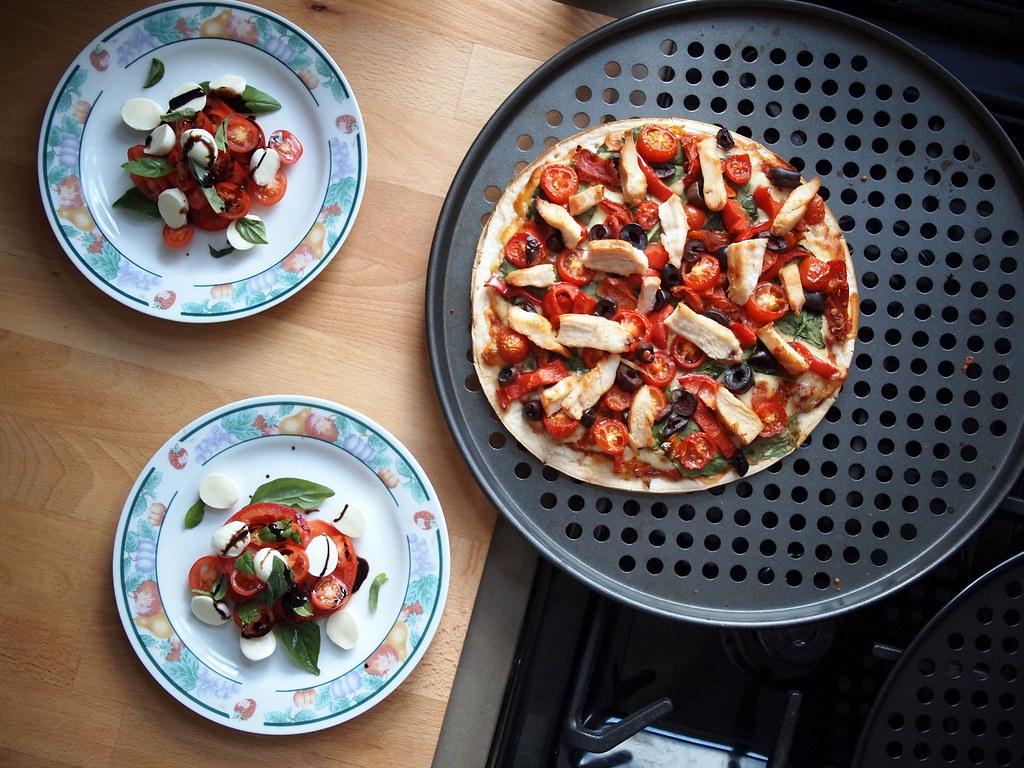 Caprese salad & pizza