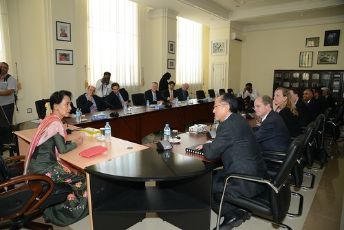 World Bank Group President Jim Yong Kim and and Daw Aung San Suu Ky
