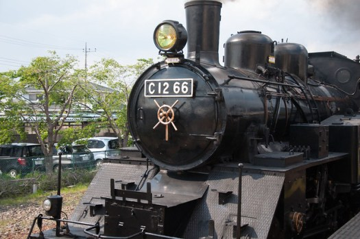 130504-23