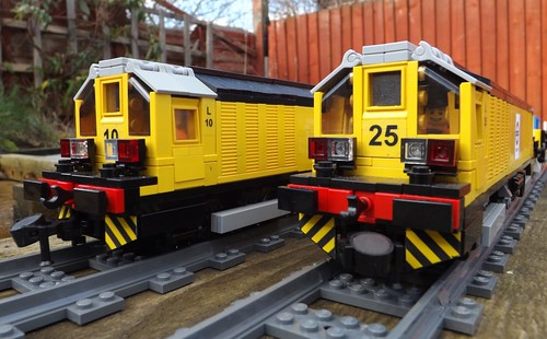 Lego LU Battery Locomotives by Ug the Pug