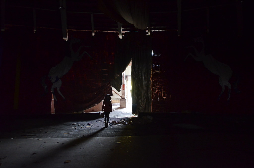 Plain Black Wallpaper For Walls Abandoned Circus Jeju Great Big Scary World