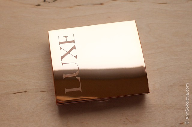 01 Avon Luxe Eyeshadow   Luxurious Nudes swatches