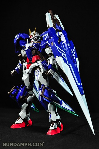 Metal Build 00 Gundam 7 Sword and MB 0 Raiser Review Unboxing (48)