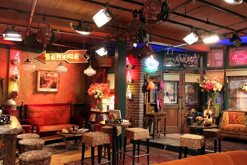 F  R  I  E  N  D  S  Central Perk Cafe  Studio Set