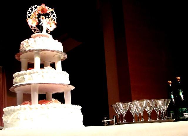 Cake & bubbly