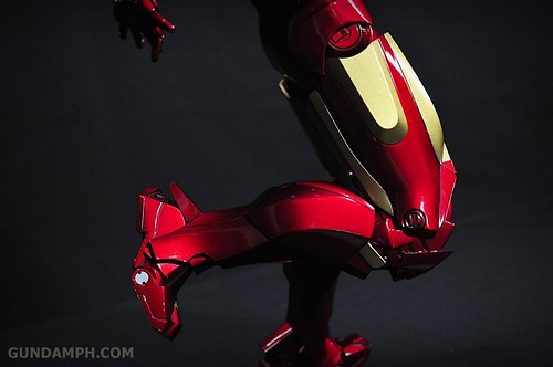 Hot Toys Iron Man 2 - Suit-Up Gantry with Mk IV Review MMS160 Unboxing - day1 (53)