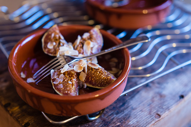 Roast figs, honey & almond