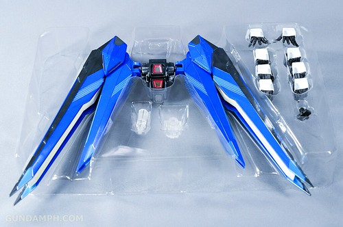 Metal Build Freedom Gundam Prism Coating Ver. Review Tamashii Nation 2012 (14)
