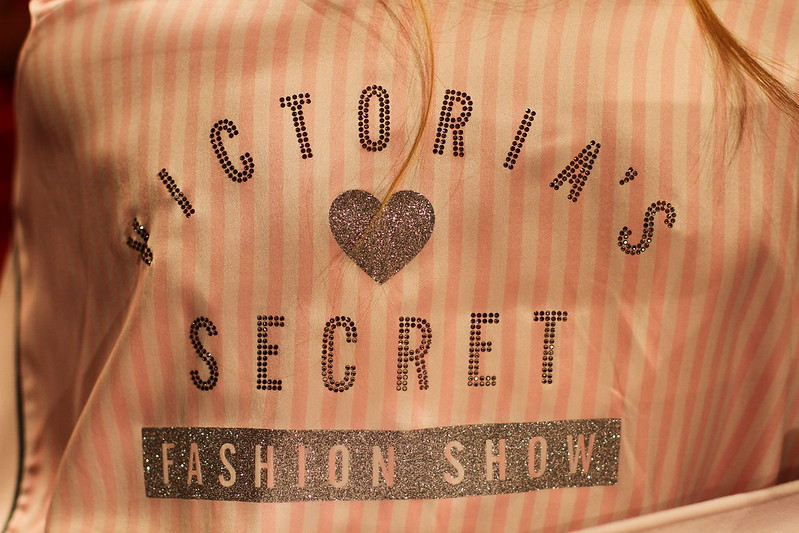 2013 Victoria's Secret Fashion Show  011