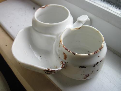 Mystery Crockery (Jam / Marmalade Bowl ?)
