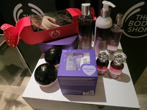Singapore Beauty Blog, Beauty reviews, Beauty blogger, nadnut, Singapore Lifestyle Blog, Christmas Ideas, Last minute Christmas ideas, Bodyshop Gift sets