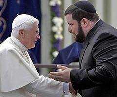 Benedikt XVI. in der Synagoge von Köln