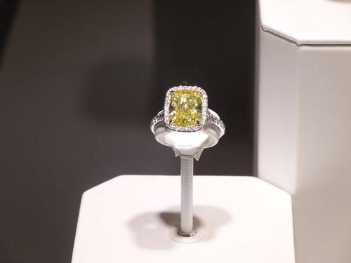 ティファニーのイエローダイヤモンド