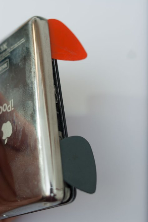 _MG_0064_iPod_Classic_Video_5G_zweites_Plektron_Seite