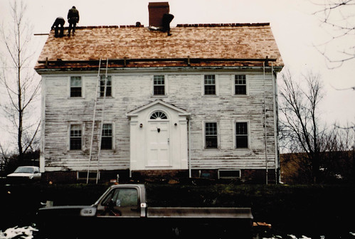 Stewart house front roofing 1987.jpg