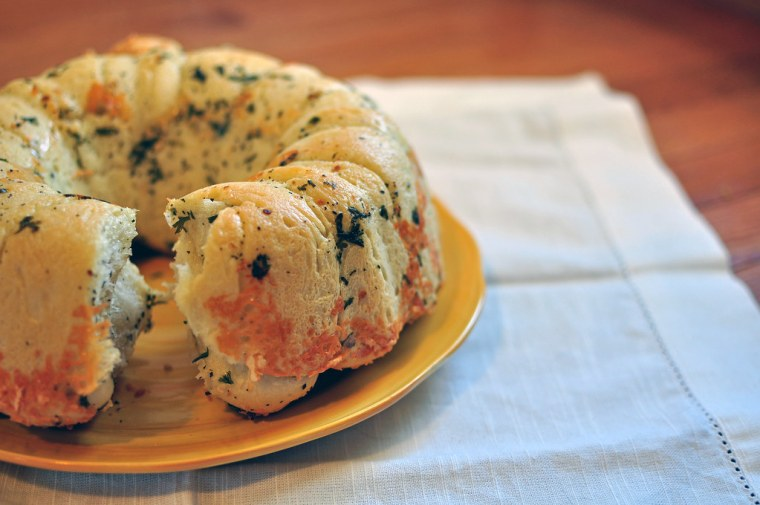 Cheesy Herbed Monkey Bread 4