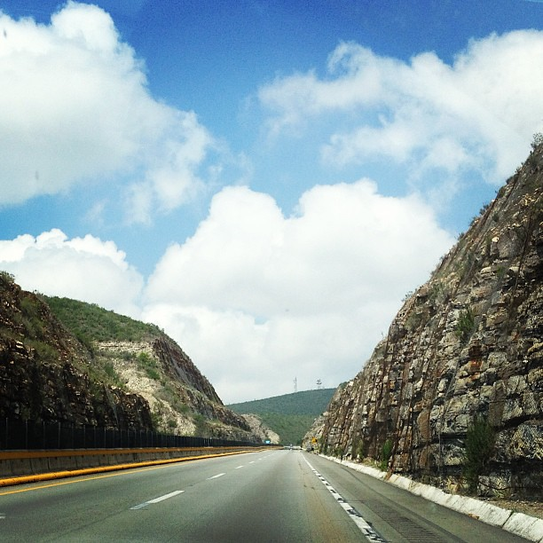 On the road to Monterrey. En camino a Monterrey. #latergram