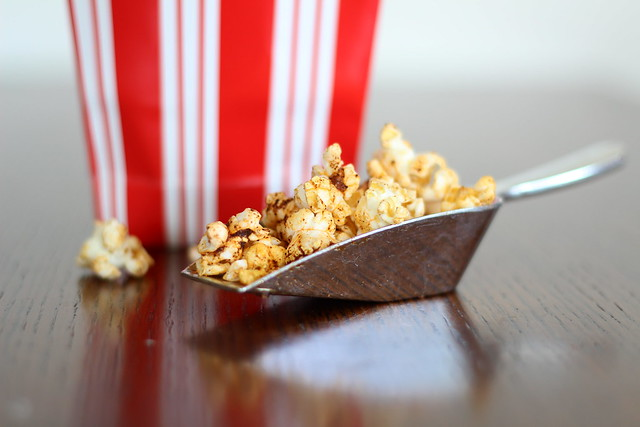 Sweet 'n' spicy popcorn