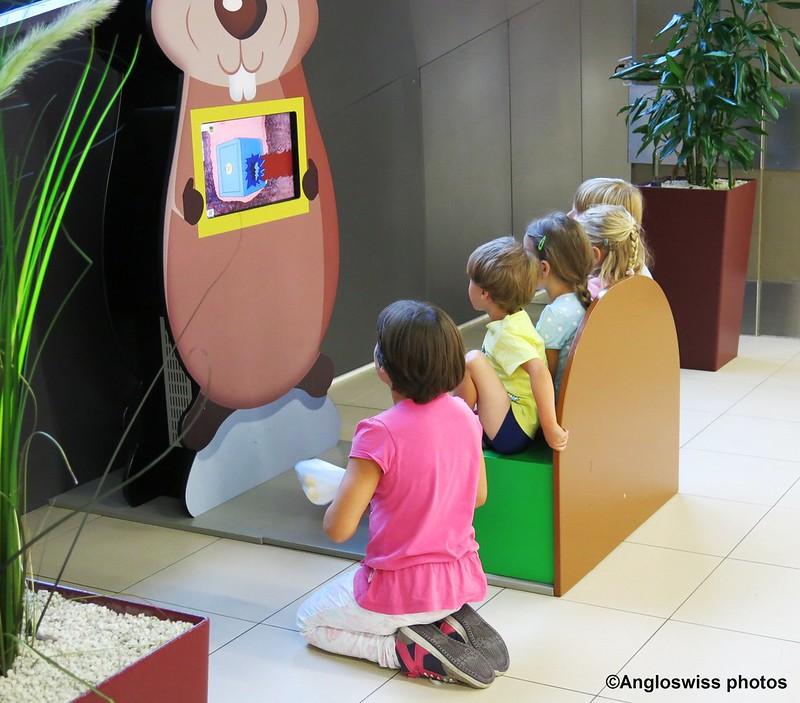 Children's television in Migros, Langendorf