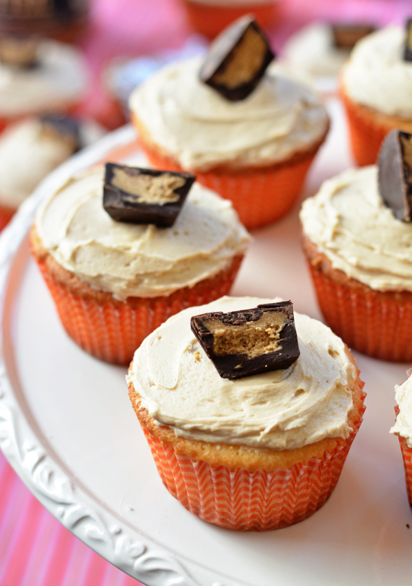 Cookie Butter Cup Surprise Cupcakes - bethcakes.com