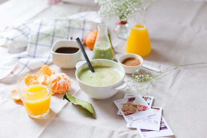 Coconut Flour Porridge with Matcha Milk