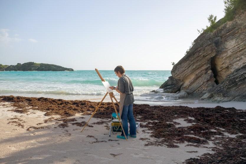 Painter on Horseshoe Bay Beach, Bermuda